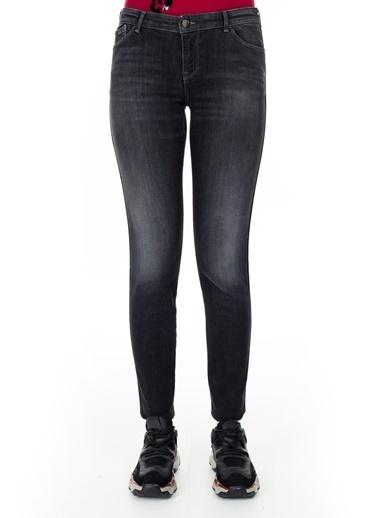 Emporio Armani  J23 Jeans Kadın Kot Pantolon S 6G2J23 2D6Mz 0005 Siyah